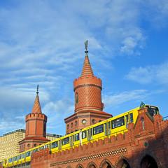 berlin oberbaumbrücke summer
