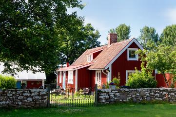 Typisches, rotes Holzhaus in Schweden, Insel Öland