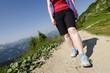 Frau beim bergwandern im Allgäu Tannheimer Tal
