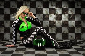 blonde Rennfahrerin