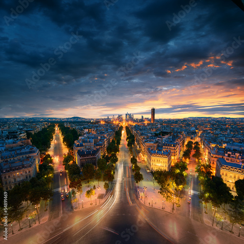 Amazing view to night Paris