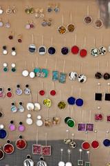 Pendientes de joyas y bisutería
