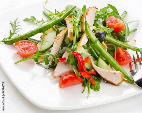 Fresh vegetables salad with chicken