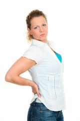 frau mit starken rückenschmerzen