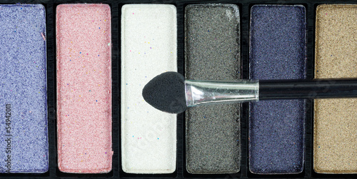 Eye shadow with brush