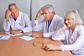 Ratlose Ärzte im Team