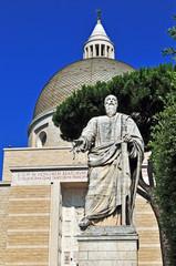 Roma Eur, la basilica dei santi Pietro e Paolo