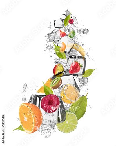 lodowa-owoc-na-bialym-tle