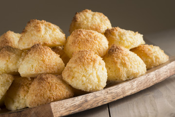 Cocnut macaroons