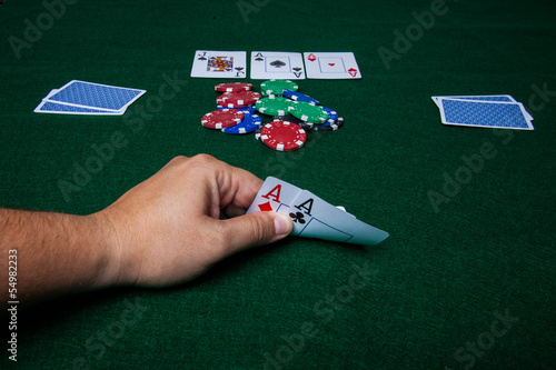 TexasHoldem double aces