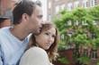 Deutschland, Entspannung zu zweit auf dem Balkon