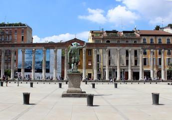 Columnas frente a la Basílica de san Lorenzo Maggiore