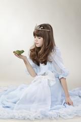 Mädchen mit Froschkönig