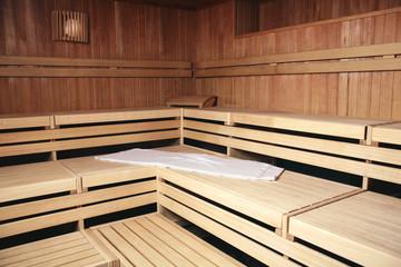 Bänke aus Holz Sauna