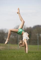 Österreich, Teenager-Mädchen turnen