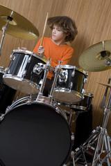 Deutschland, Junge, Schlagzeug spielen