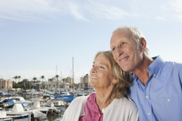 Spanien, Mallorca, Palma, älteres Paar, Senioren im Hafen