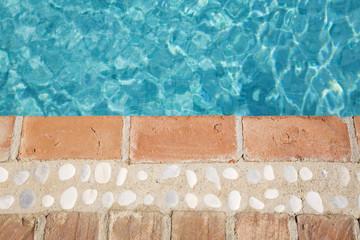 Spanien, Andalusien, Reflektionen im Pool