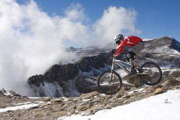 Spanien, Sierra Nevada, Granada, Mann Mountainbiken