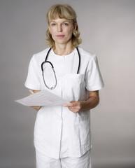 Portrait einer weiblichen Ärztin