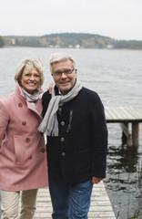 Deutschland, Senioren steht auf der Promenade