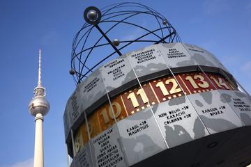 Deutschland, Berlin, Fernsehturm und Weltzeituhr
