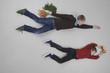 Jungen fliegt mit Obst und Gemüse