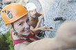 Österreich, Steiermark, Ramsau, Silberkarklamm, Junges Paar Klettern