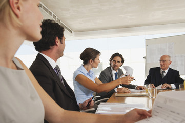 Geschäftsleute in der Sitzung