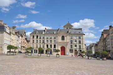 Facade Classique de l' église du Vieux Saint-Sauveur 2, Caen