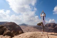 Yoga in de woestijn