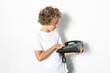 Junge mit Telefon