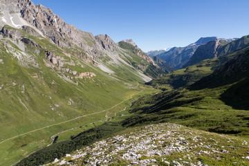 Vallée de Chavière et alpage le matin