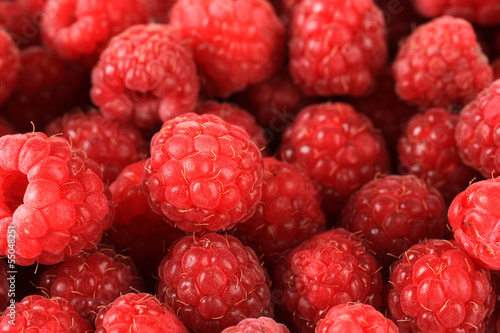 Naklejka na szybę Ripe sweet raspberries, close up
