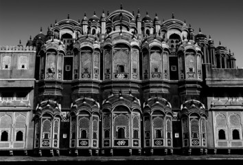 Hawa Mahal's balcony, black and white