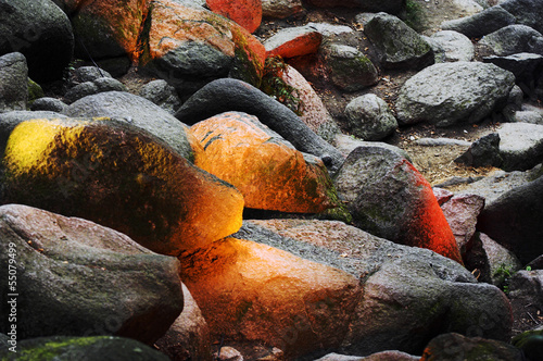 Fototapeten,steine,felsen,felsenleguan,angestrahlt