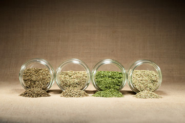 botes de hierbas