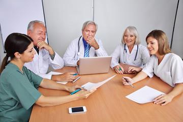 Kommunikation im Team im Krankenhaus