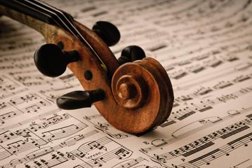 Detail einer alten Geige