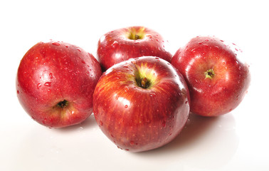 Manzanas frescas.