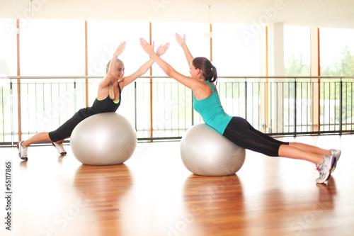 schonendes Training mit Gymnastikbällen