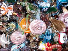 Färgglada venetianska glas juveler