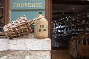 Huile d'olive de Provence dans un magasin