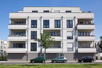 luxuriöser neubau mehrfamilienhaus