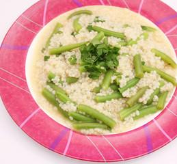 Couscous mit Bohnen