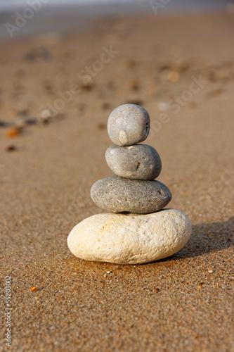 Papiers peints Zen pierres a sable Cailloux zen équilibre
