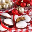 pfeffernüsse in weihnachtsdeko