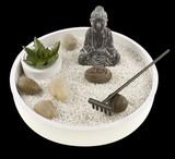 jardin zen japonais sur fond noir