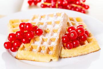 Waffles with currants - Waffeln mit Johannisbeeren