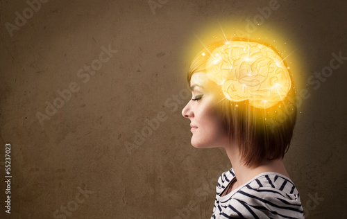 Young girl thinking with glowing brain illustration - 55237023